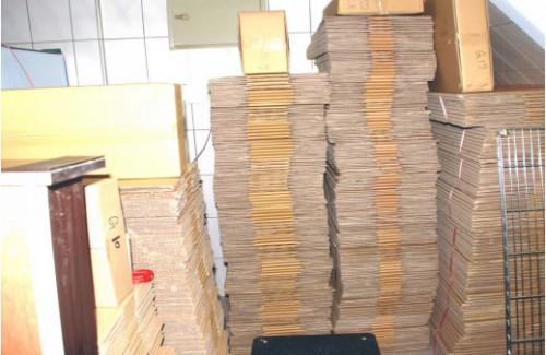 Voorraad dozen en enveloppen